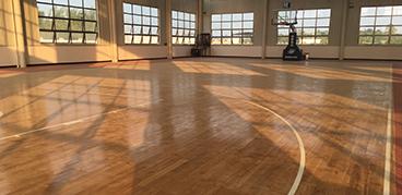 木地板篮球场