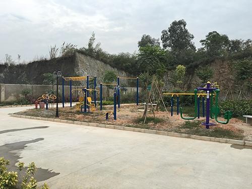 陆川华润水泥小区-室外健身路径